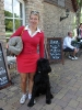 Katja mit ihrem Wachhund Artus